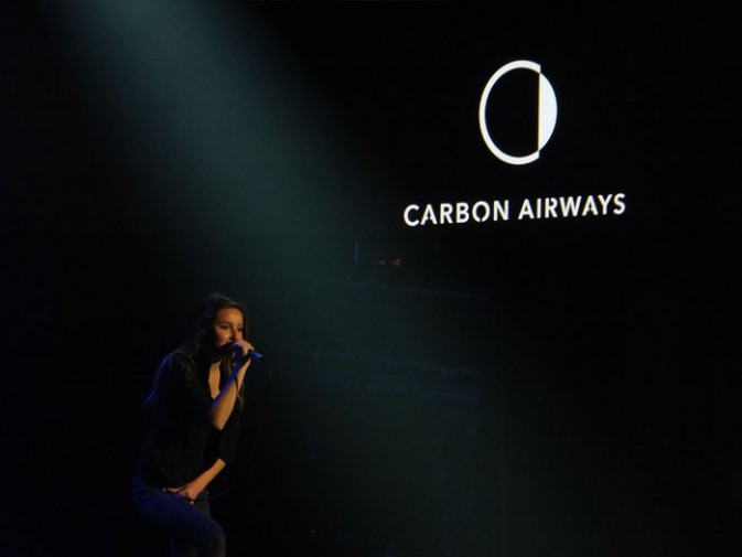 Carbon Airways sur la scène du Trianon, à Paris, le 17 décembre 2013