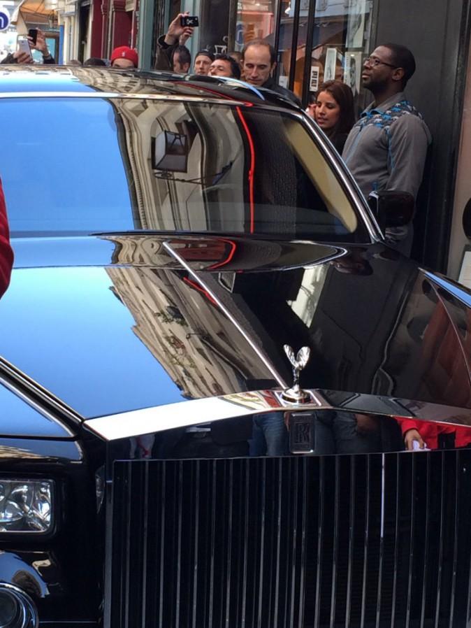 Maître Gims arrive à l'inauguration de sa première boutique Vortex à Paris, le 16 avril 2014.