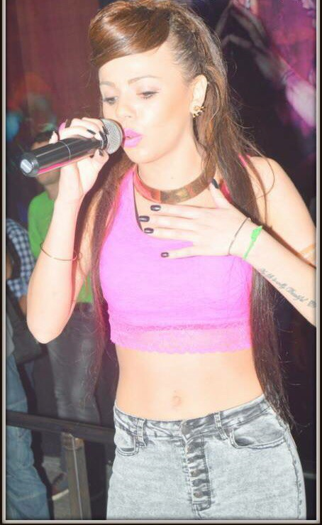 Exclu Public : Photos : Niia Hall : Nicki Minaj et crop top, elle fait le show à Bordeaux !
