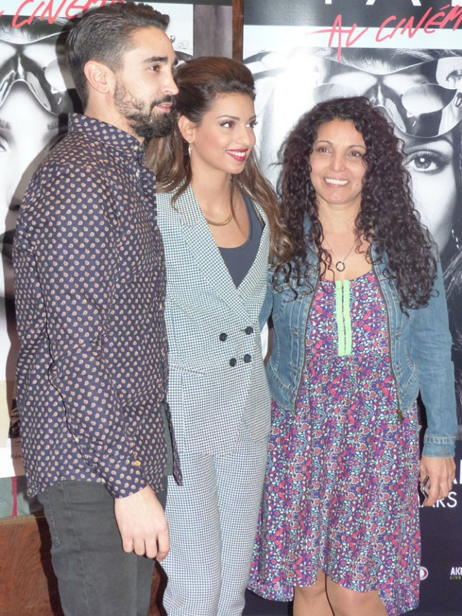 Tal avec son chéri Anthony et sa maman Sem Azar au Grand Rex de Paris le 8 mars 2014