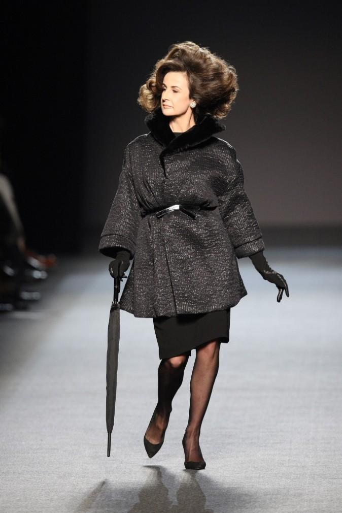 Valérie Lemercier défile pour Jean Paul Gaultier