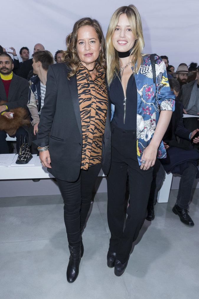 Georgia May Jagger et Jade Jagger, des sœurs proches et resplendissantes au défilé Louis Vuitton,