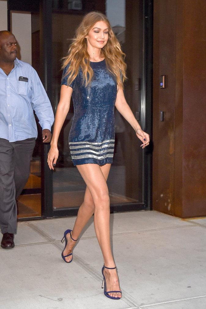 Gigi Hadid sort de son appartement à New York ce vendredi 9 septembre