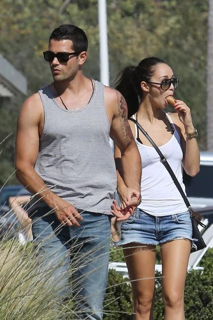 Jesse Metcalfe et Cara Santana, Malibu, 8 septembre 2012.