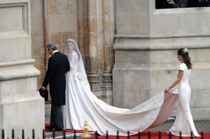 13. Pour rendre hommage à  la princesse, au moment de son mariage avec le beau William, un sac à vomi et une boîte de préservatif ont été créés à son effigie!