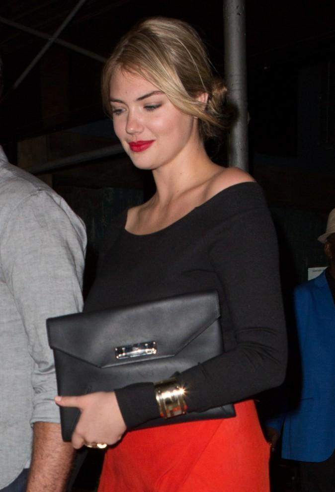Kate Upton, ultra-sexy avec sa robe fendue, le 3 août à New York