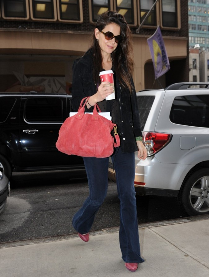 Katie Holmes à la sortie de son appartement newyorkais !