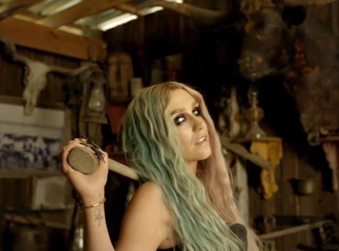 Kesha et Pitbull : leur succès Timber est attaqué en justice pour plagiat !
