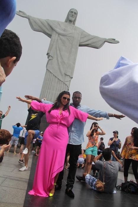 Kim Kardashian et Kanye West : ils jouent aux touristes super romantiques à Rio!