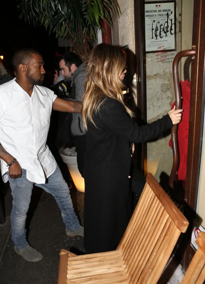 Enfin arrivée à Paris, recupérée par Kanye West pour aller diner !