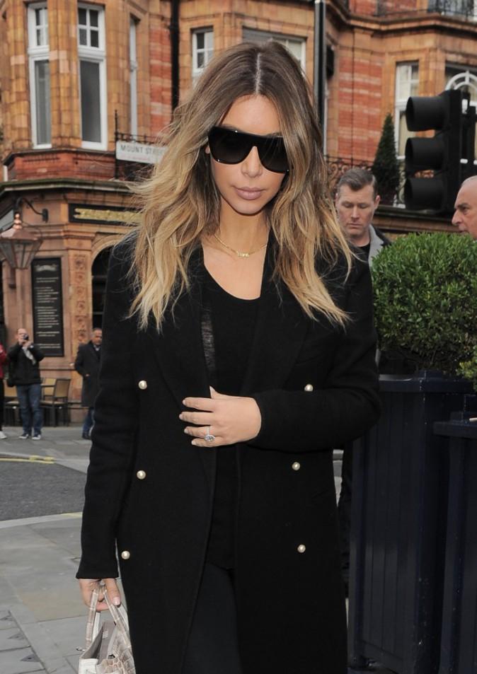 Kim Kardashian a déjeuné avec Philip Green à Londres avant de rejoindre Kanye West à Paris !