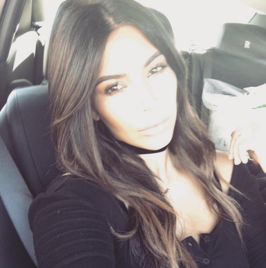 Kim Kardashian a opté pour une couleur plus naturelle