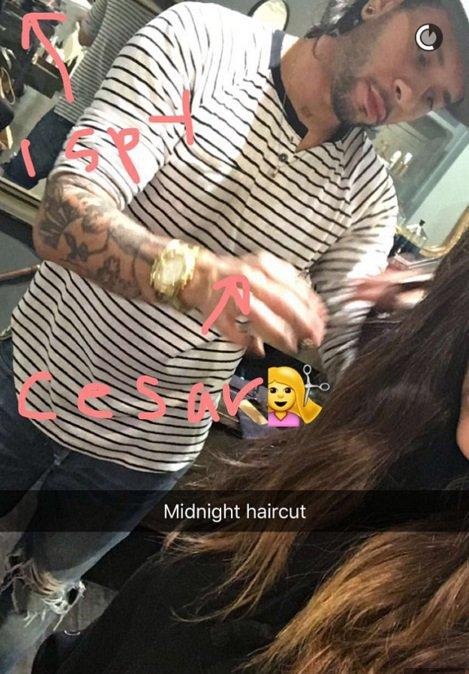 Kim Kardashian est redevenue brune, avec quelques mèches claires sur les pointes