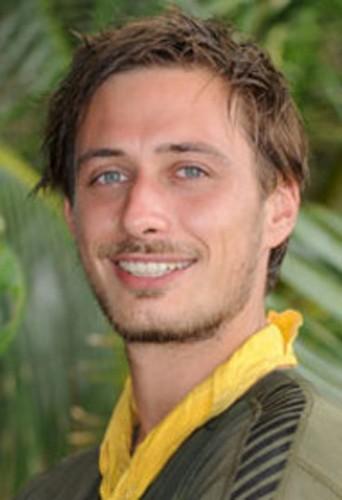 Grégoire remporte Koh Lanta : Le choc des héros en 2010
