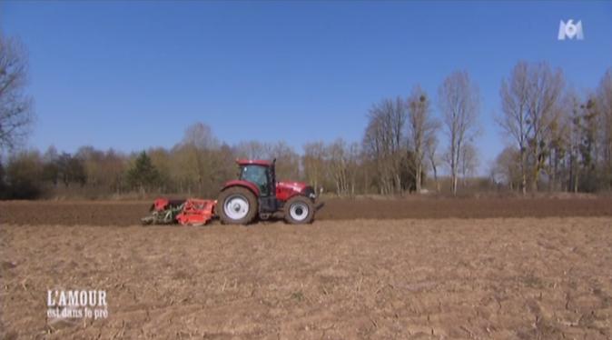 Une balade en tracteur avec l'une puis l'autre de ses prétendantes va-t-il permettre à Florent de mieux clarifier les choses ?