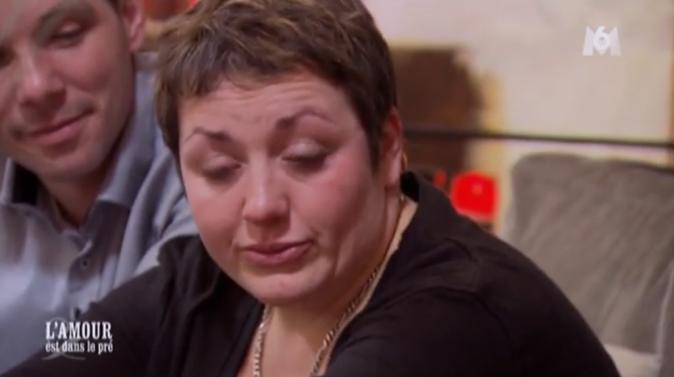Eva elle est en pleurs!