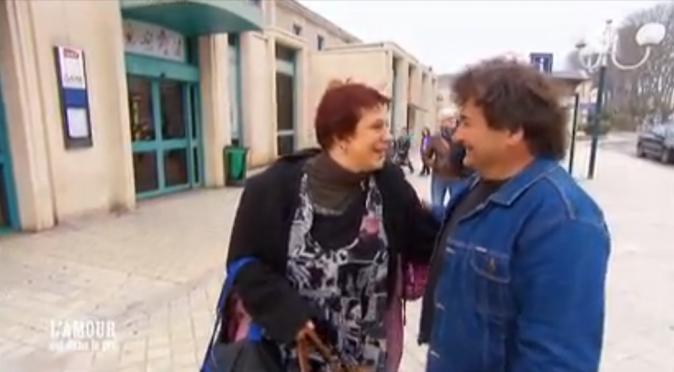 Michel accueille Florence à la gare
