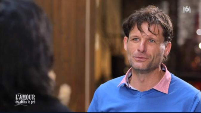 Les yeux bleus de Stéphane vont-ils faire craquer Julie ?