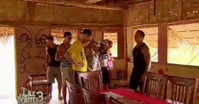 Les candidats découvrent la maison crée par les candidats de la saison 2