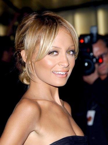 Nicole Richie magnifique avec son maquillage nude