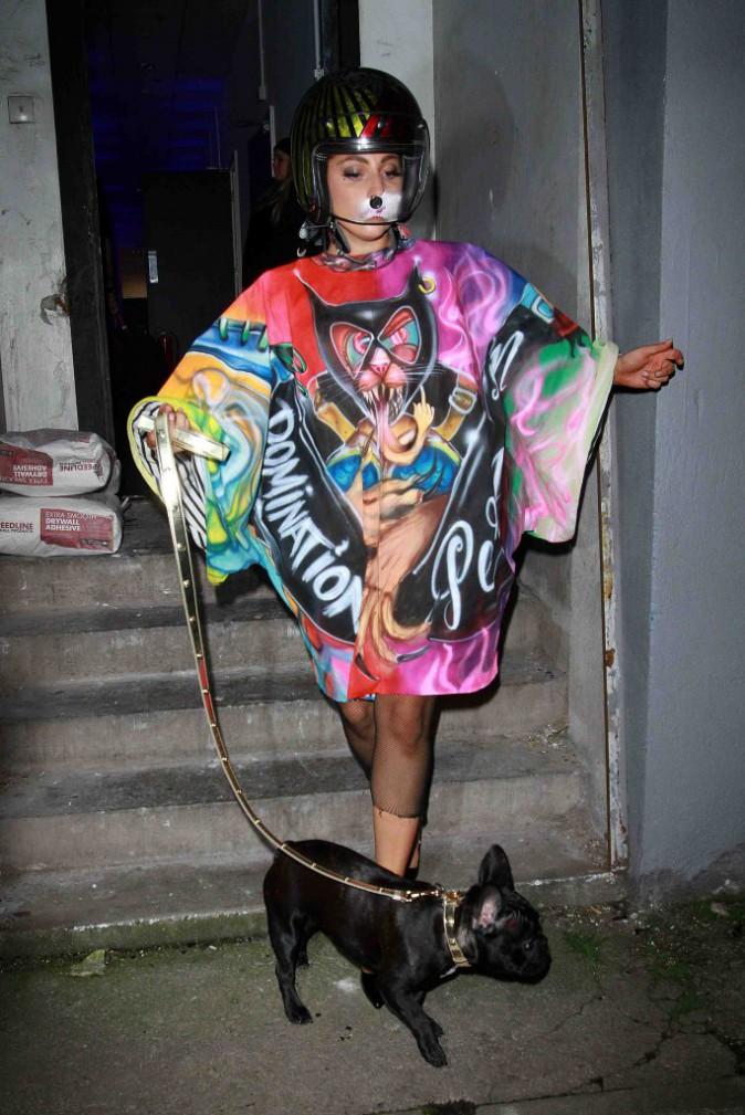Lady Gaga : entre bouffonne du roi ou reine du cirque, elle a du mal à se décider !