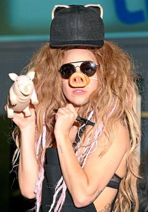Londres 30/08/13 : Lady Gaga : Une vraie cochonne