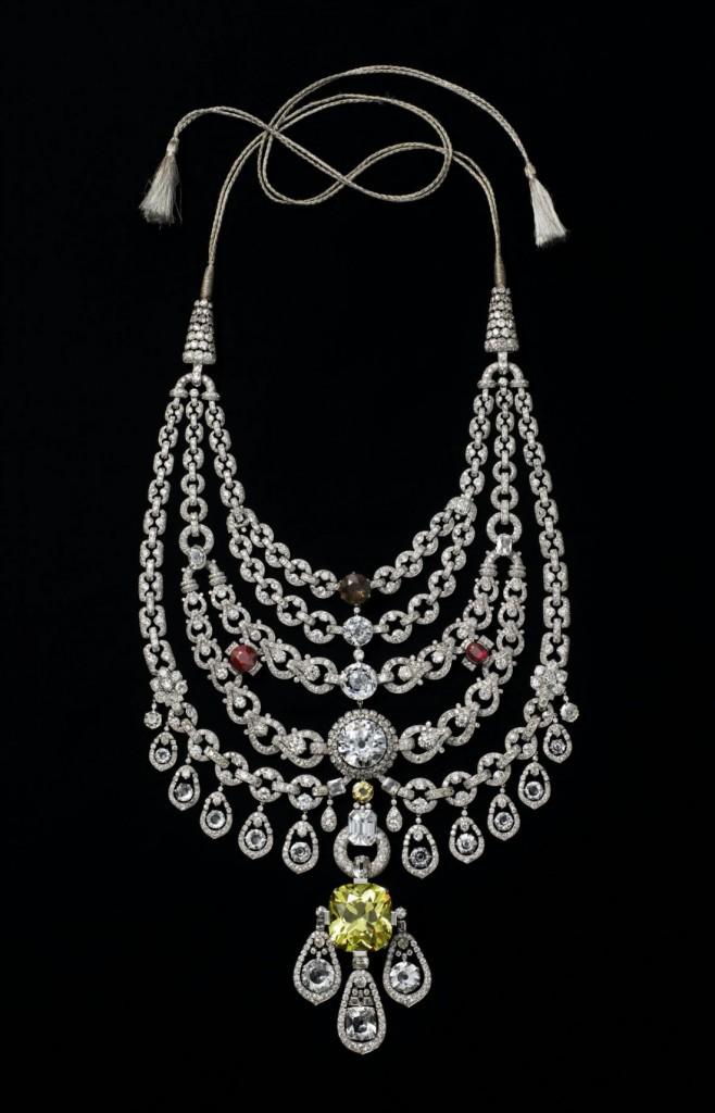 Le collier de diamant réalisé en 1928 à la commande du Sir Bhupindar