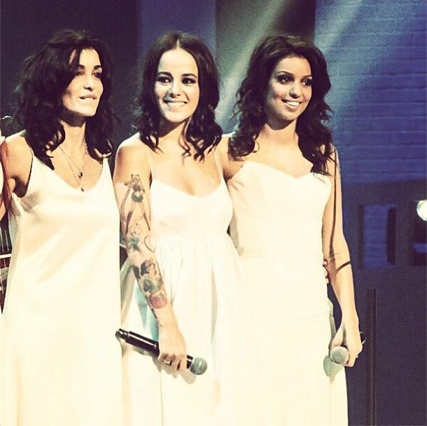 Trois anges chez les Enfoirés : Jenifer, Alizée et Tal !