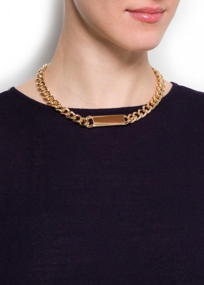 """Le collier """"style esclave"""" que Mango proposait sur son e-shop"""