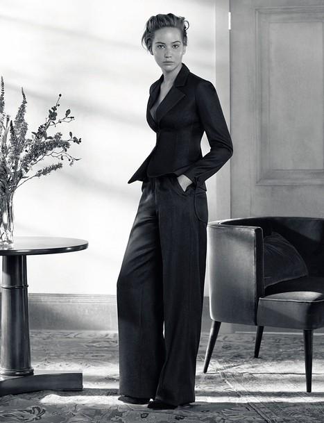Jennifer Lawrence : pour la suite de la campagne Dior elle la joue femme fatale !