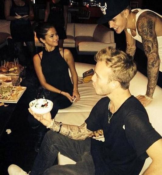 Selena encore là