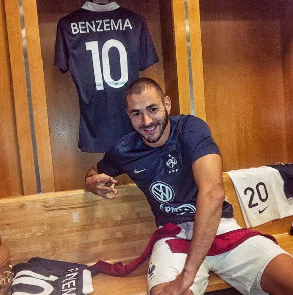 Entre le Real et l'équipe de France, son coeur balance