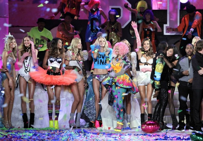 Nicki Minaj et Kanye West lors du Victoria's Secret Fashion Show à New York, le 9 novembre 2011.