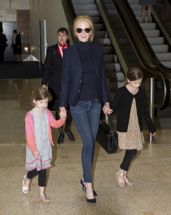 Nicole Kidman était élégante et branchée pour son arrivée à Sydney avec ses deux filles !