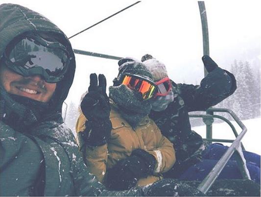 Photos : On a retrouvé Paris Jackson, heureuse, tatouée et au ski !