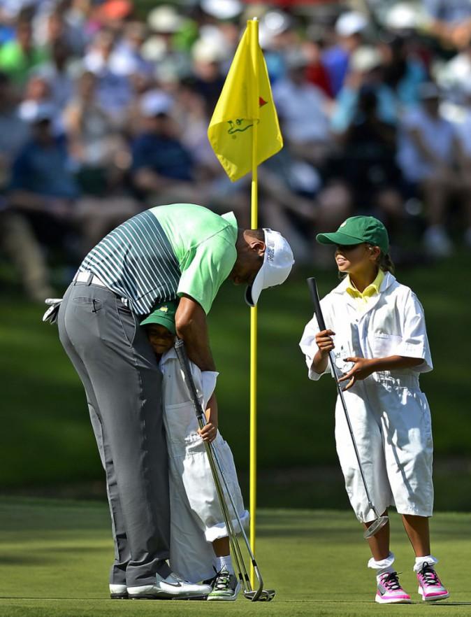 Tiger Woods retrouve le sourire au côté de Lindsey Vonn