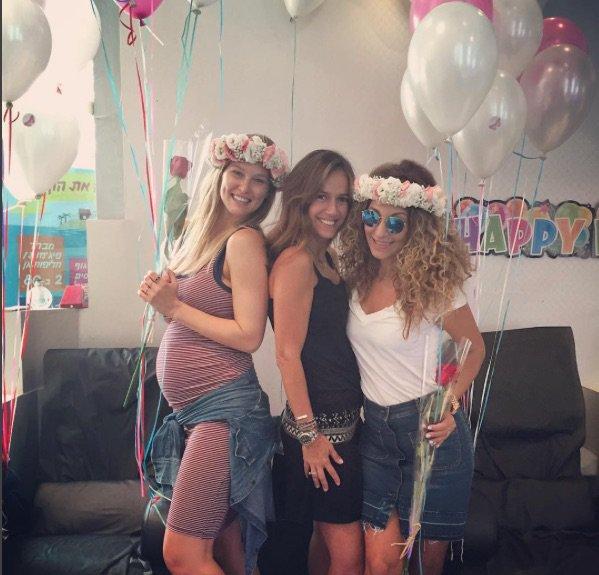 Birthday party ! Bar Rafaeli a fêté ses 31 ans le 4 juin 2016