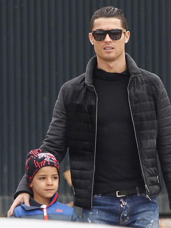 Cristiano Ronaldo vient chercher son fils à l'école le 21 janvier 2015