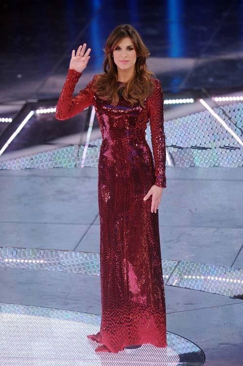 Ce n'est pas sa seule robe, elle le jure !