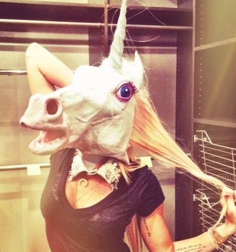 Miley se prend pour une licorne
