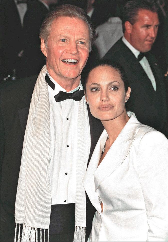 Photos : Ces 47 papas ont offert la célébrité en héritage à leurs enfants : John Voight et Angelina Jolie