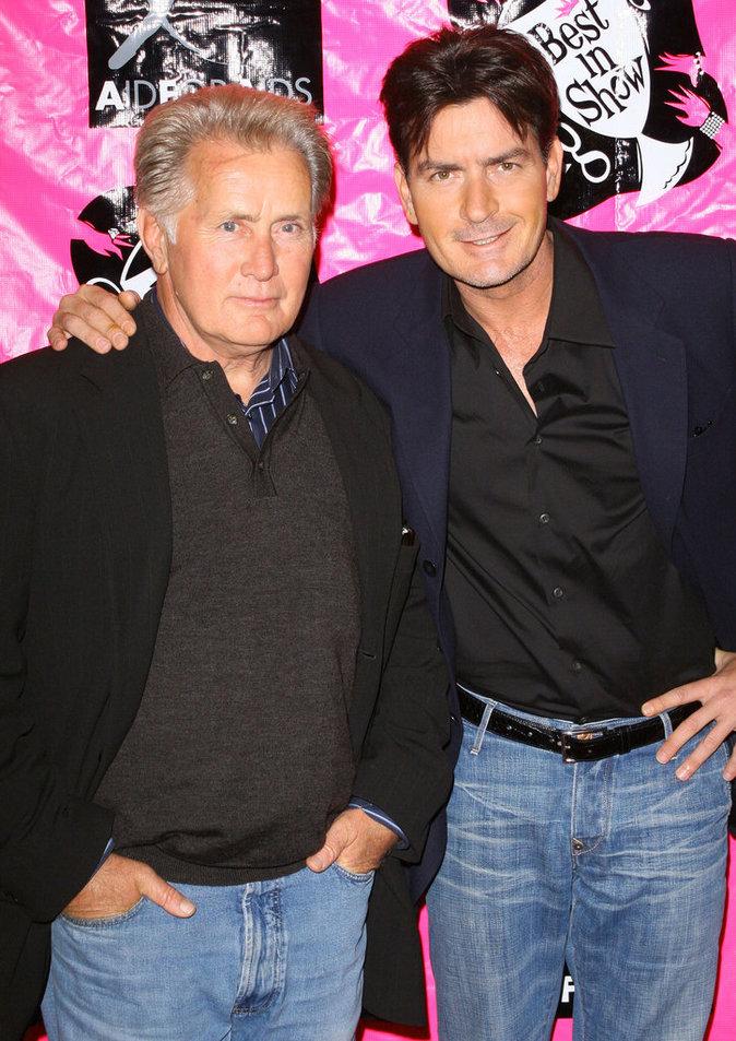 Photos : Ces 47 papas ont offert la célébrité en héritage à leurs enfants : Martin Sheen et Charlie Sheen