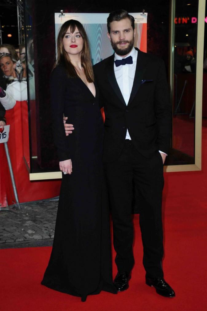Fifty Shades of Grey : Jamie Dornan et Dakota Johnson : ultra glamour pour la première tant attendue !