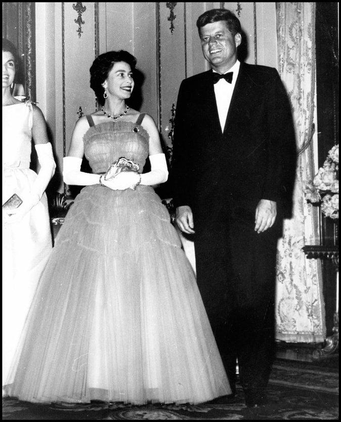 Avec JFK
