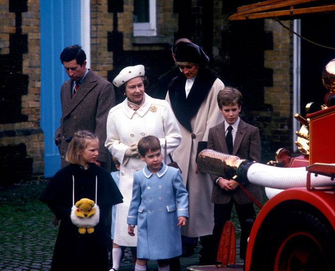 Elizabeth II avec les princes Harry et William
