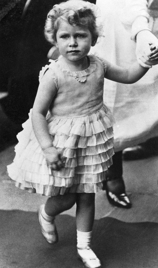 Elizabeth II durant sa tendre enfance