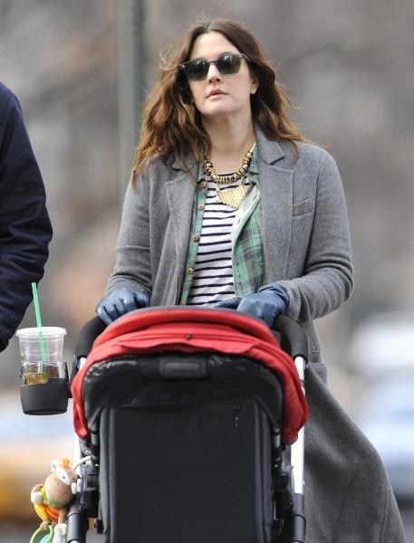 Il s'agit bien sûr d'Olive la fille de Drew Barrymore!