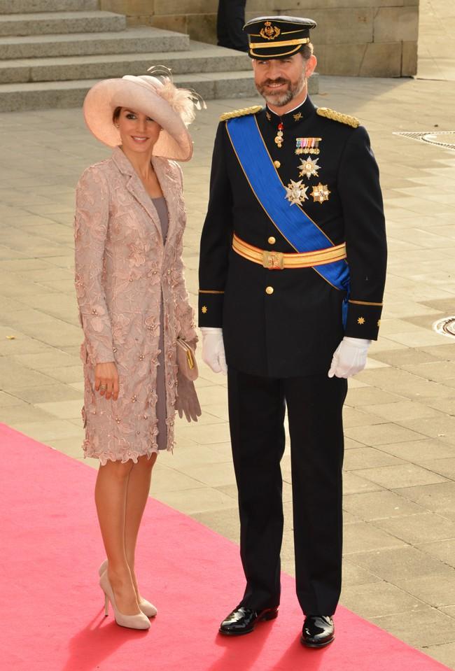 Abdication du roi Juan Carlos : le prince Felipe et la princesse Letizia, duo ultra-glamour prêt à prendre la relève !