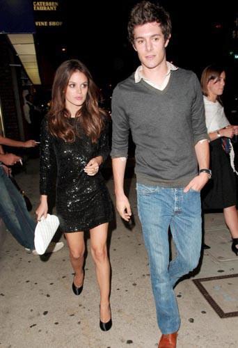 Avant Leighton Meester, Adam Brody est sorti avec Rachel Bilson !