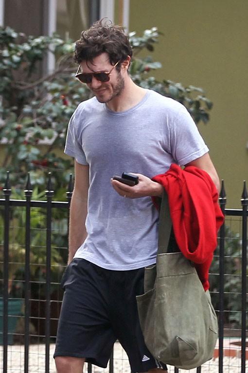 Adam Brody à Los Angeles le 18 février 2014